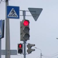 По просьбам омичей в Центральном округе скорректировали работу светофора