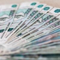 Омичка оставила в тележке супермаркета сумку с 92-мя тысячами рублей