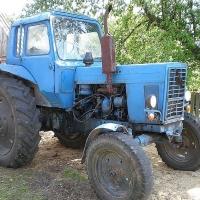 В Омской области на рабочем месте погиб молодой тракторист