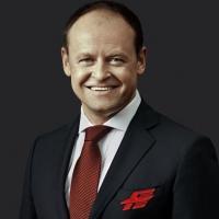 """Власти Омской области из-за кризиса перестали финансировать """"Авангард"""""""