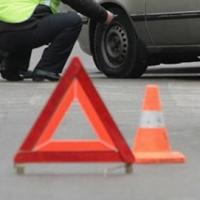 В Омской области три человека пострадали при опрокидывании автомобиля