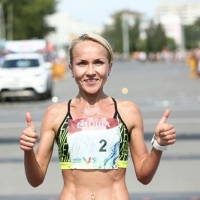 В Омске на Сибирском международном марафоне среди женщин победила Ирина Юманова