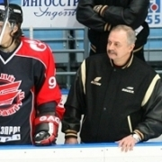 """Бывший тренер """"Авангарда"""" считает ситуацию в омском хоккее анекдотом"""