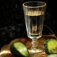 С февраля в России впервые подешевеет водка