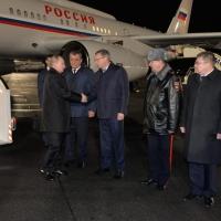 Путина встретили у трапа, когда уже стемнело