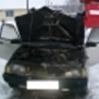 В Кировском округе Омска загорелся автомобиль