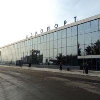 """Омичам предложили оформить аэропорт """"в духе города"""""""