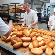 На омском хлебозаводе научились делать хлеб из бумаги