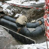 В Омске снова прорвало водопровод