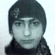 Студентка отдала цыганке 80 тысяч рублей