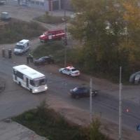 В Омске на улице Завертяева несколько раз перевернулся автомобиль