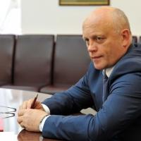 Губернатор поручил сделать заявку на дополнительные федеральные средства для ремонта омских дорог