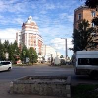 В центре Омска общественный транспорт пошел по выделенным полосам