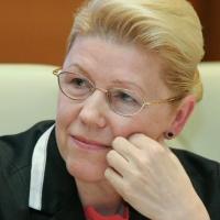 Елена Мизулина выразила соболезнования близким омичке, умершей в частной клинике