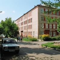 В Омске педофил напал на ученика лицея