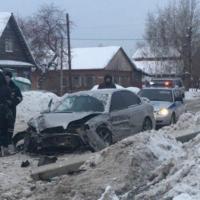 В Омске произошло лобовое столкновение «Субару» и ВАЗ-2114