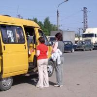 Посадка и высадка пассажиров омского муниципального транспорта разрешается только на остановках