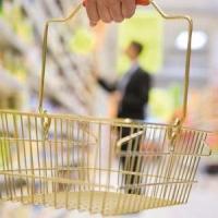 Российским магазинам запретят работать в выходные