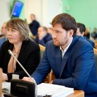 Омские депутаты предрекли кадровый коллапс в мэрии