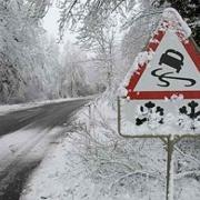 Дороги из Омска в Казахстан снова закрыты из-за плохой погоды