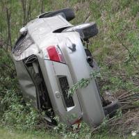 В Омской области опрокинулась переполненная иномарка