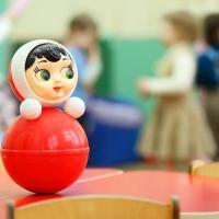 В Омске экспертная комиссия проверит гарантийный детский сад, в котором осыпалась штукатурка