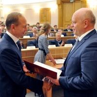 Виктор Назаров наградил лучших машиностроителей Омска