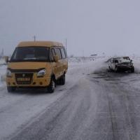 """В Омской области """"шестерка"""" столкнулась с маршруткой и грузовиком"""