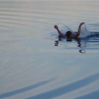 Попытка переплыть Иртыш могла закончиться трагически для омички