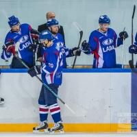 """Омскому """"Авангарду"""" придется отдать хоккеистов в Сочи или в Тольятти"""