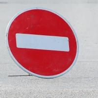 Омичам напомнили об ограничении движения на улице Шаронова