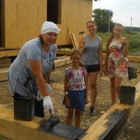 С начала года многодетные семьи Омской области получили 136 земельных участков