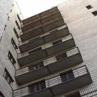 Из окна общежития в Омске выпал студент