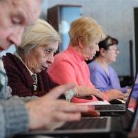 В Омске 117 тысяч пенсионеров продолжают работать