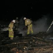 В Омской области пожилая пара погибла ночью при пожаре