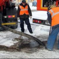 В Омск из Новосибирска привезли агрегат для очистки ливневок