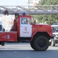 В Омске из горящей пятиэтажки эвакуировали 10 человек