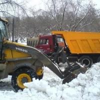 Коммунальщики сравнили объемы снега Омска и Москвы