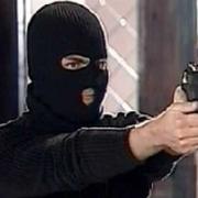 Налётчики едва не убили охранника за 3 тысячи рублей, два телефона и сигареты