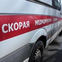 В Омске перебегавший дорогу 11-летний мальчик угодил под колеса авто