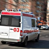 В Омске на улице Маяковского автобус сбил девушку