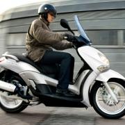 Водитель скутера разбился насмерть в Исилькуле
