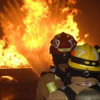 В Омске пожарные тушили установку с гидравлическим маслом