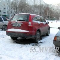 Омские следователи поймали угонщика Honda CRV, неделю просидев в засаде