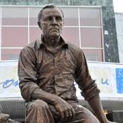 В Таре открылся памятник Михаилу Ульянову