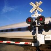 Водитель микроавтобуса выпил и тормознул поезд