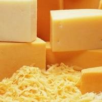 С сегодняшнего дня омичей лишили украинских сыров