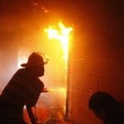 В Омске на улице Ушинского в пожаре погибла женщина