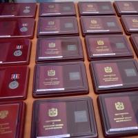 25 жителей Омского региона получили государственные награды от Виктора Назарова
