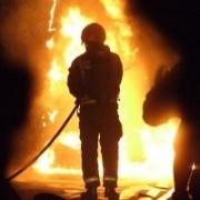 Пожар в Омске едва не унес жизнь дачника